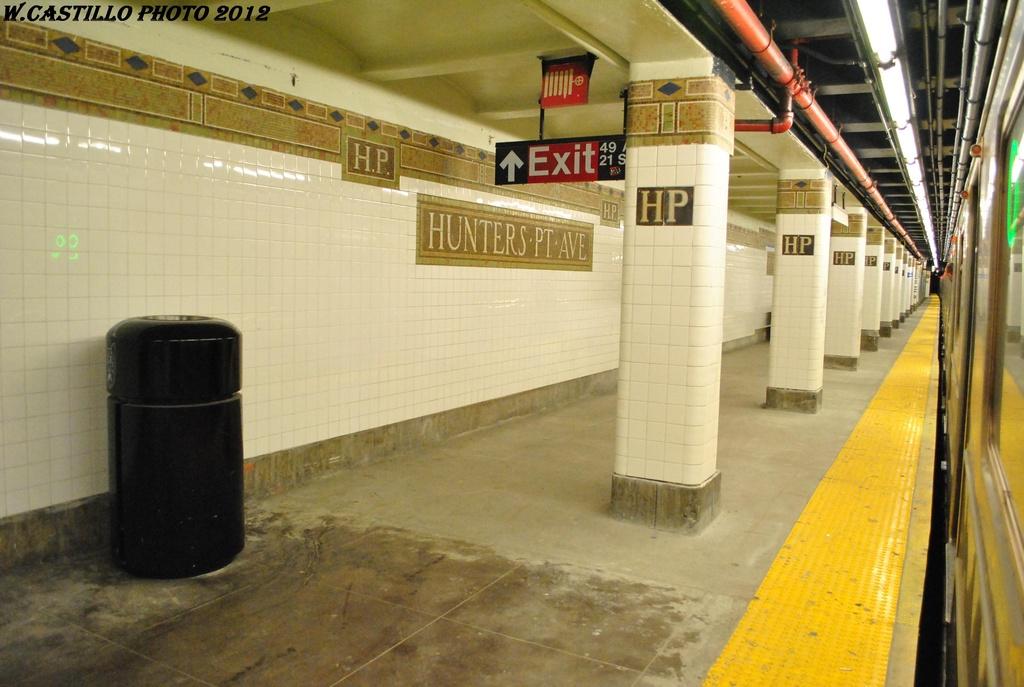 (277k, 1024x687)<br><b>Country:</b> United States<br><b>City:</b> New York<br><b>System:</b> New York City Transit<br><b>Line:</b> IRT Flushing Line<br><b>Location:</b> Hunterspoint Avenue <br><b>Photo by:</b> Wilfredo Castillo<br><b>Date:</b> 4/21/2012<br><b>Viewed (this week/total):</b> 2 / 1188