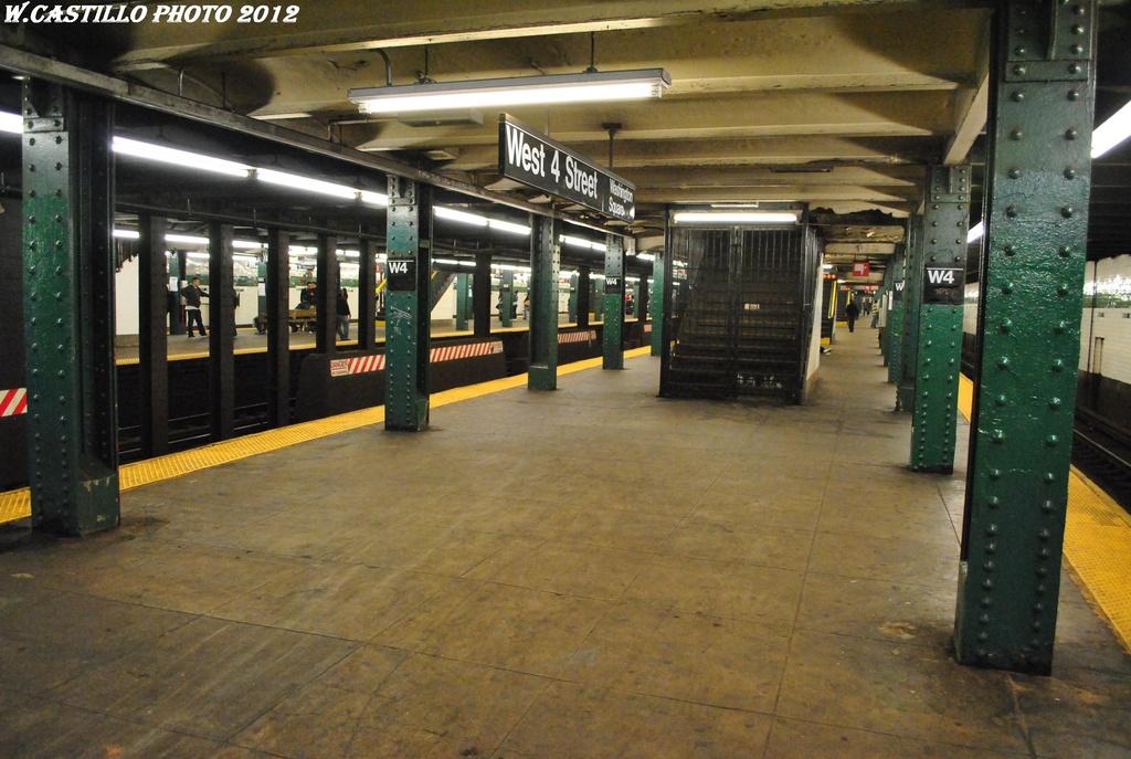 (307k, 1024x687)<br><b>Country:</b> United States<br><b>City:</b> New York<br><b>System:</b> New York City Transit<br><b>Line:</b> IND 6th Avenue Line<br><b>Location:</b> West 4th Street/Washington Square <br><b>Photo by:</b> Wilfredo Castillo<br><b>Date:</b> 4/21/2012<br><b>Viewed (this week/total):</b> 0 / 766