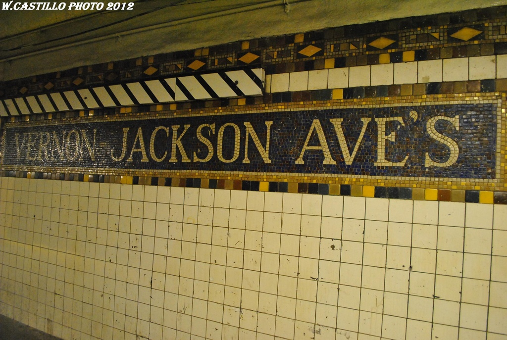 (329k, 1024x687)<br><b>Country:</b> United States<br><b>City:</b> New York<br><b>System:</b> New York City Transit<br><b>Line:</b> IRT Flushing Line<br><b>Location:</b> Vernon-Jackson Avenues <br><b>Photo by:</b> Wilfredo Castillo<br><b>Date:</b> 4/21/2012<br><b>Viewed (this week/total):</b> 1 / 1111