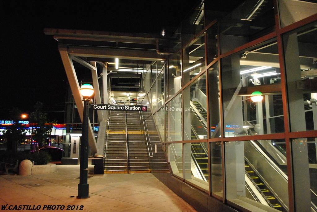 (297k, 1024x687)<br><b>Country:</b> United States<br><b>City:</b> New York<br><b>System:</b> New York City Transit<br><b>Line:</b> IRT Flushing Line<br><b>Location:</b> Court House Square/45th Road <br><b>Photo by:</b> Wilfredo Castillo<br><b>Date:</b> 4/26/2012<br><b>Viewed (this week/total):</b> 3 / 1256