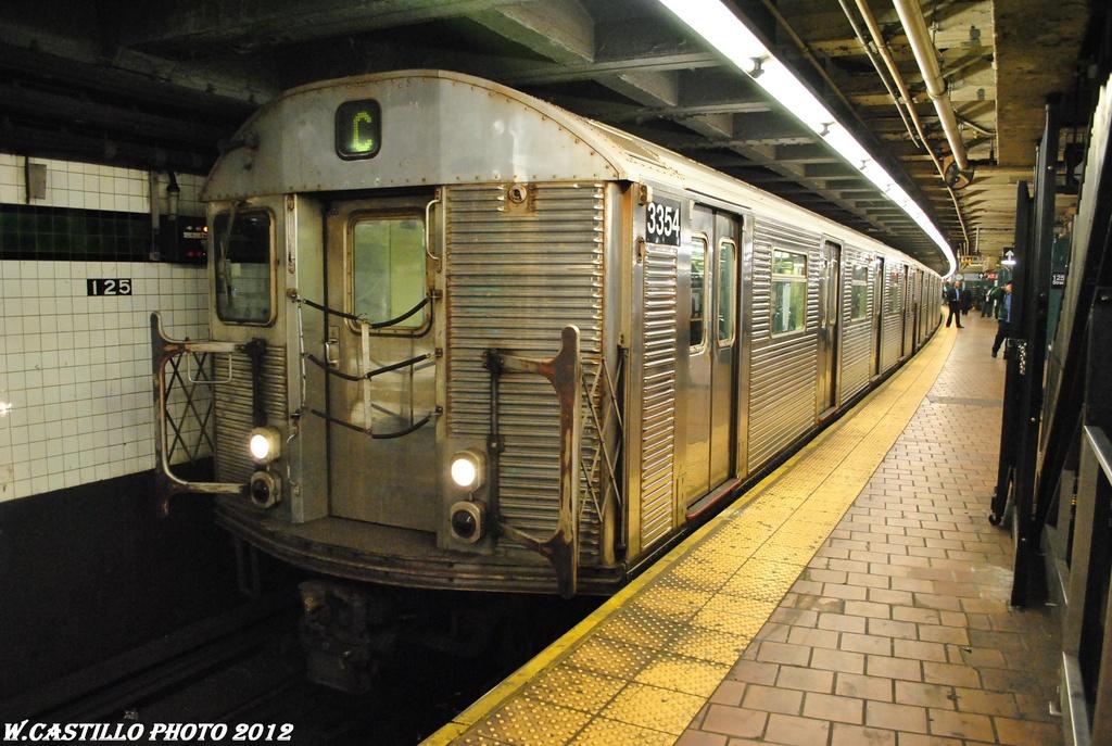 (329k, 1024x687)<br><b>Country:</b> United States<br><b>City:</b> New York<br><b>System:</b> New York City Transit<br><b>Line:</b> IND 8th Avenue Line<br><b>Location:</b> 125th Street <br><b>Route:</b> C<br><b>Car:</b> R-32 (Budd, 1964)  3354 <br><b>Photo by:</b> Wilfredo Castillo<br><b>Date:</b> 4/25/2012<br><b>Viewed (this week/total):</b> 3 / 1246