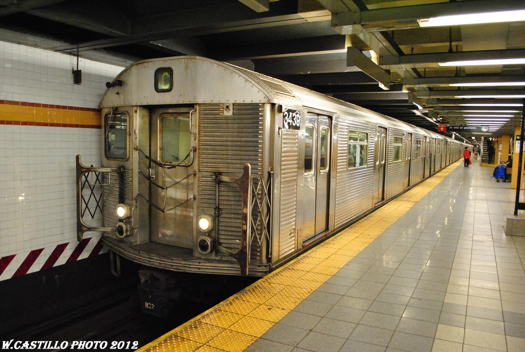 (314k, 1024x687)<br><b>Country:</b> United States<br><b>City:</b> New York<br><b>System:</b> New York City Transit<br><b>Line:</b> IND 8th Avenue Line<br><b>Location:</b> 14th Street <br><b>Route:</b> C<br><b>Car:</b> R-32 (Budd, 1964)  3439 <br><b>Photo by:</b> Wilfredo Castillo<br><b>Date:</b> 4/25/2012<br><b>Viewed (this week/total):</b> 0 / 814