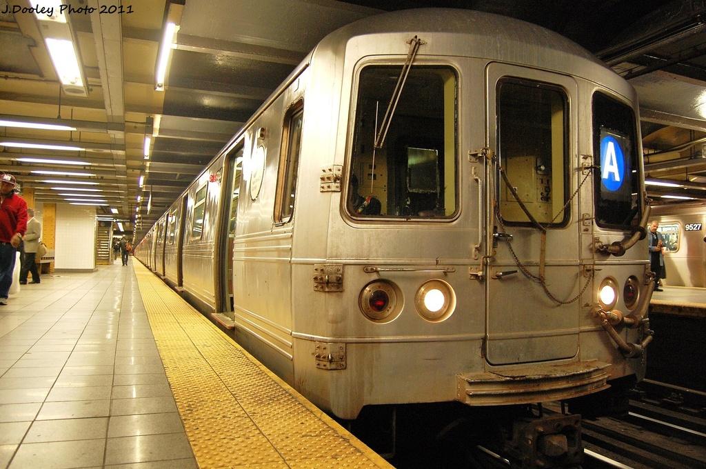 (363k, 1024x680)<br><b>Country:</b> United States<br><b>City:</b> New York<br><b>System:</b> New York City Transit<br><b>Line:</b> IND 8th Avenue Line<br><b>Location:</b> 14th Street <br><b>Route:</b> A<br><b>Car:</b> R-46 (Pullman-Standard, 1974-75) 5944 <br><b>Photo by:</b> John Dooley<br><b>Date:</b> 11/14/2011<br><b>Viewed (this week/total):</b> 0 / 688
