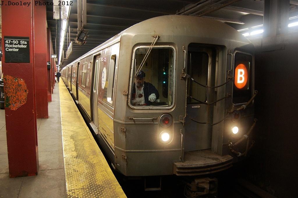 (314k, 1024x680)<br><b>Country:</b> United States<br><b>City:</b> New York<br><b>System:</b> New York City Transit<br><b>Line:</b> IND 6th Avenue Line<br><b>Location:</b> 47-50th Street/Rockefeller Center <br><b>Route:</b> B<br><b>Car:</b> R-68 (Westinghouse-Amrail, 1986-1988)  2872 <br><b>Photo by:</b> John Dooley<br><b>Date:</b> 3/12/2012<br><b>Viewed (this week/total):</b> 0 / 982