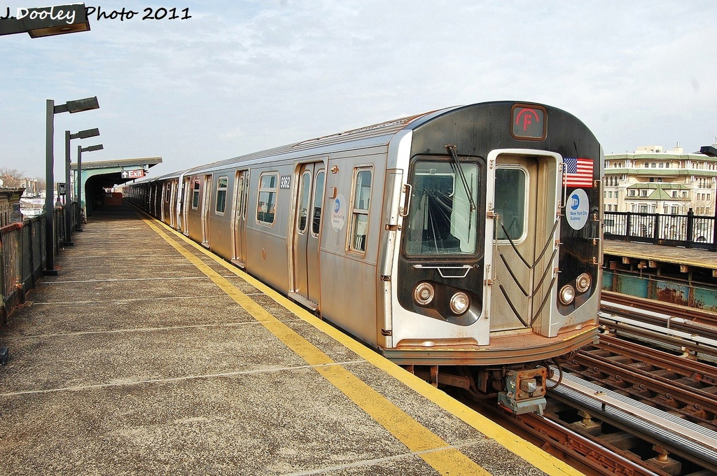 (422k, 1024x680)<br><b>Country:</b> United States<br><b>City:</b> New York<br><b>System:</b> New York City Transit<br><b>Line:</b> BMT Culver Line<br><b>Location:</b> Avenue P <br><b>Route:</b> F<br><b>Car:</b> R-160A (Option 1) (Alstom, 2008-2009, 5 car sets)  9362 <br><b>Photo by:</b> John Dooley<br><b>Date:</b> 12/5/2011<br><b>Viewed (this week/total):</b> 0 / 582
