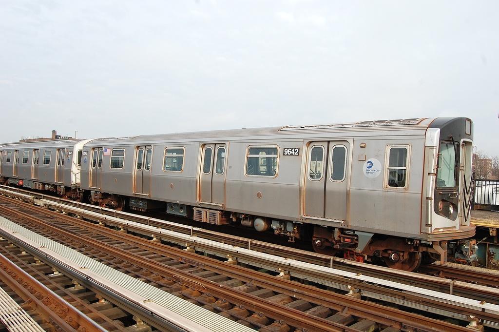(311k, 1024x681)<br><b>Country:</b> United States<br><b>City:</b> New York<br><b>System:</b> New York City Transit<br><b>Line:</b> BMT Culver Line<br><b>Location:</b> Avenue P <br><b>Route:</b> F<br><b>Car:</b> R-160A (Option 2) (Alstom, 2009, 5-car sets)  9642 <br><b>Photo by:</b> John Dooley<br><b>Date:</b> 12/5/2011<br><b>Viewed (this week/total):</b> 1 / 660
