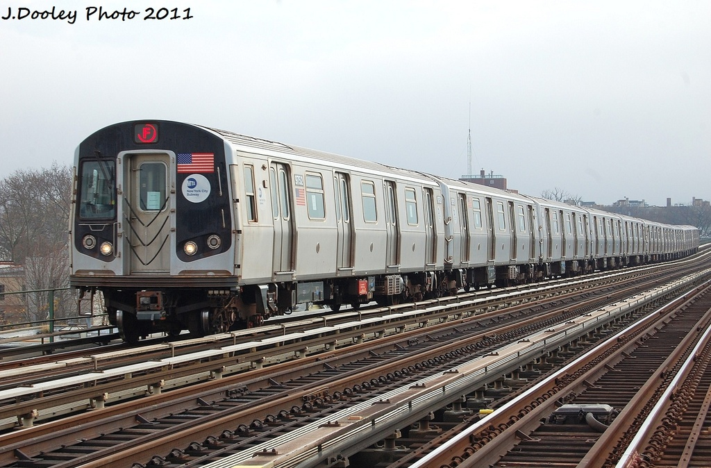 (342k, 1024x674)<br><b>Country:</b> United States<br><b>City:</b> New York<br><b>System:</b> New York City Transit<br><b>Line:</b> BMT Culver Line<br><b>Location:</b> Avenue P <br><b>Route:</b> F<br><b>Car:</b> R-160A (Option 2) (Alstom, 2009, 5-car sets)  9752 <br><b>Photo by:</b> John Dooley<br><b>Date:</b> 12/5/2011<br><b>Viewed (this week/total):</b> 0 / 628
