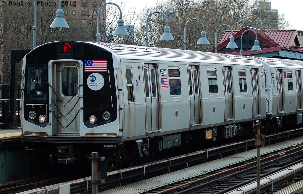 (372k, 1024x657)<br><b>Country:</b> United States<br><b>City:</b> New York<br><b>System:</b> New York City Transit<br><b>Line:</b> BMT Nassau Street/Jamaica Line<br><b>Location:</b> Marcy Avenue <br><b>Route:</b> M<br><b>Car:</b> R-160A-1 (Alstom, 2005-2008, 4 car sets)  8592 <br><b>Photo by:</b> John Dooley<br><b>Date:</b> 3/23/2012<br><b>Viewed (this week/total):</b> 2 / 893