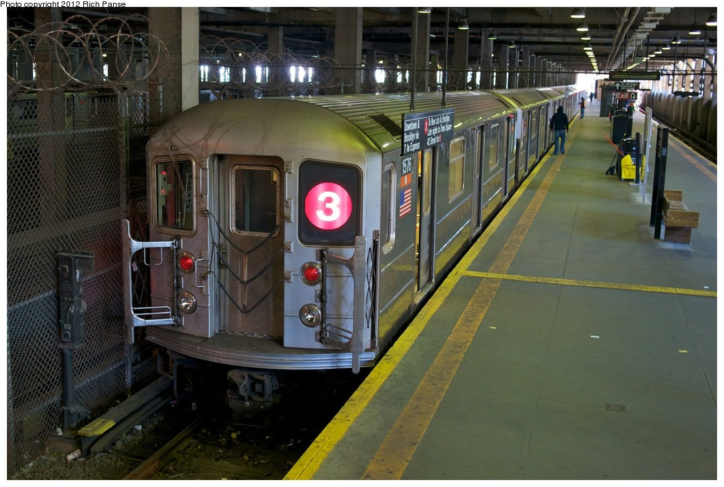 (279k, 1044x703)<br><b>Country:</b> United States<br><b>City:</b> New York<br><b>System:</b> New York City Transit<br><b>Line:</b> IRT Lenox Line<br><b>Location:</b> 148th Street/Lenox Terminal <br><b>Route:</b> 3<br><b>Car:</b> R-62 (Kawasaki, 1983-1985)  1576 <br><b>Photo by:</b> Richard Panse<br><b>Date:</b> 2012<br><b>Viewed (this week/total):</b> 2 / 1641