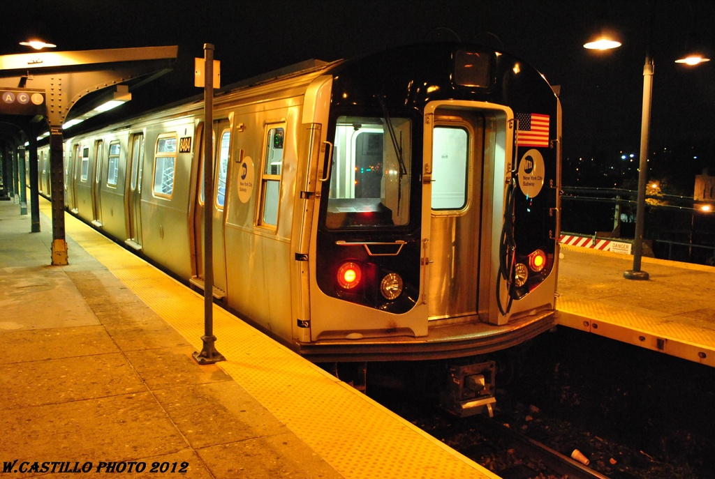 (303k, 1024x687)<br><b>Country:</b> United States<br><b>City:</b> New York<br><b>System:</b> New York City Transit<br><b>Line:</b> BMT Nassau Street-Jamaica Line<br><b>Location:</b> Broadway/East New York (Broadway Junction)<br><b>Route:</b> J layup<br><b>Car:</b> R-160A-1 (Alstom, 2005-2008, 4 car sets) 8484 <br><b>Photo by:</b> Wilfredo Castillo<br><b>Date:</b> 5/2/2012<br><b>Viewed (this week/total):</b> 0 / 1177