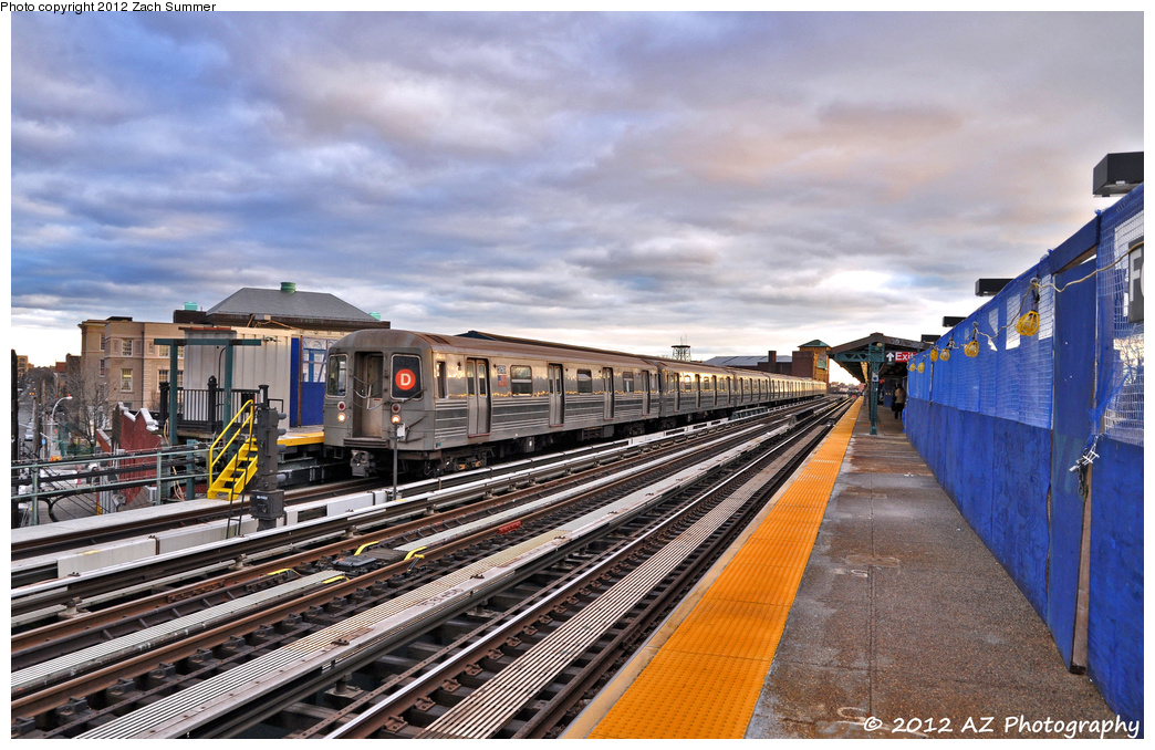 (400k, 1044x678)<br><b>Country:</b> United States<br><b>City:</b> New York<br><b>System:</b> New York City Transit<br><b>Line:</b> BMT West End Line<br><b>Location:</b> Fort Hamilton Parkway <br><b>Route:</b> D<br><b>Car:</b> R-68 (Westinghouse-Amrail, 1986-1988)  2750 <br><b>Photo by:</b> Zach Summer<br><b>Date:</b> 1/27/2012<br><b>Viewed (this week/total):</b> 1 / 935