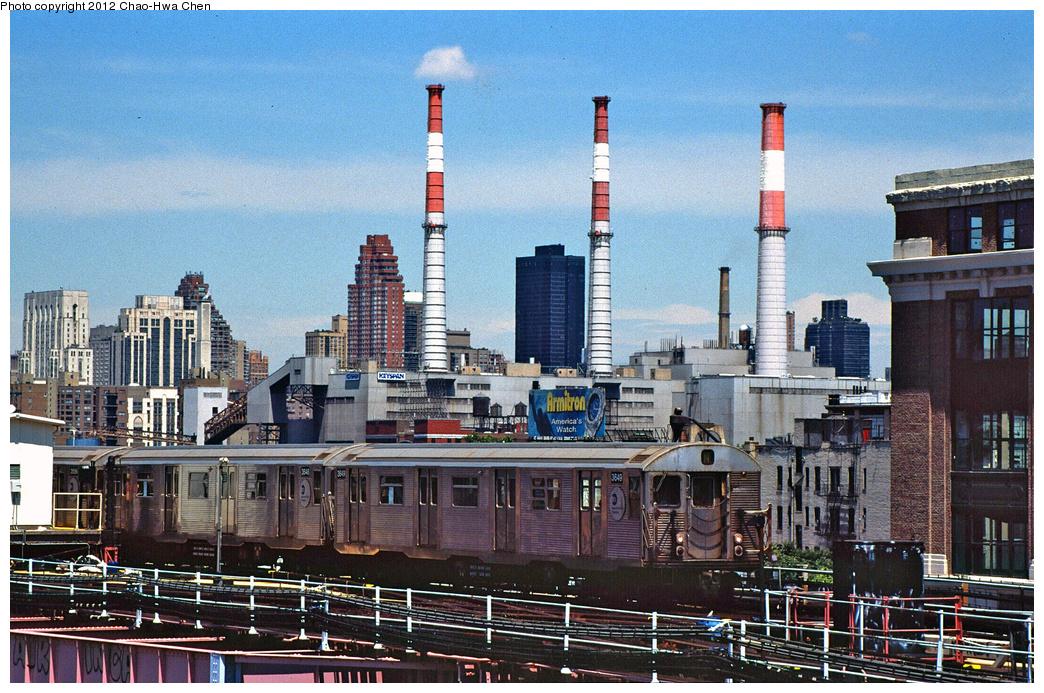 (499k, 1044x693)<br><b>Country:</b> United States<br><b>City:</b> New York<br><b>System:</b> New York City Transit<br><b>Line:</b> BMT Astoria Line<br><b>Location:</b> Queensborough Plaza <br><b>Route:</b> N<br><b>Car:</b> R-32 (Budd, 1964)  3649 <br><b>Photo by:</b> Chao-Hwa Chen<br><b>Date:</b> 7/3/2001<br><b>Viewed (this week/total):</b> 3 / 1036