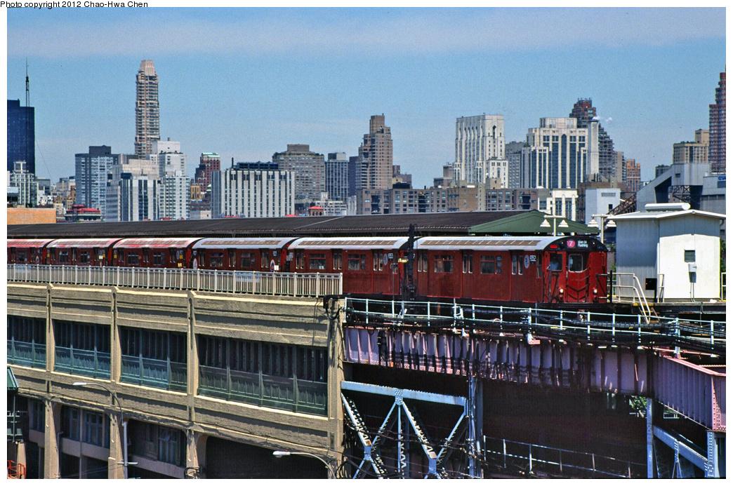 (448k, 1044x693)<br><b>Country:</b> United States<br><b>City:</b> New York<br><b>System:</b> New York City Transit<br><b>Line:</b> IRT Flushing Line<br><b>Location:</b> Queensborough Plaza <br><b>Route:</b> 7<br><b>Car:</b> R-36 World's Fair (St. Louis, 1963-64) 9352 <br><b>Photo by:</b> Chao-Hwa Chen<br><b>Date:</b> 7/3/2001<br><b>Viewed (this week/total):</b> 5 / 1144