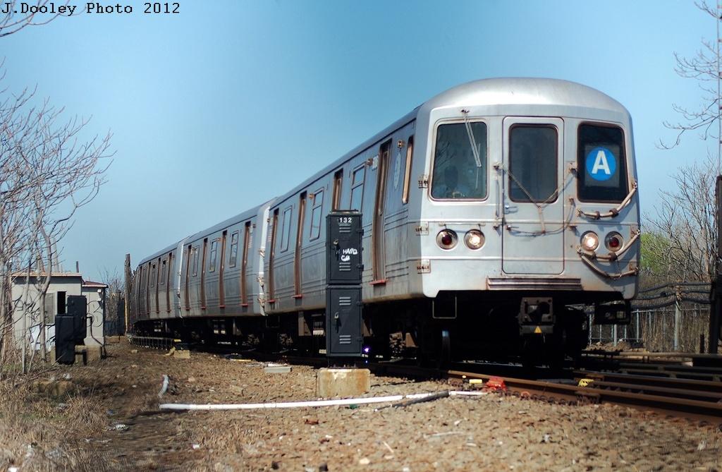 (314k, 1024x669)<br><b>Country:</b> United States<br><b>City:</b> New York<br><b>System:</b> New York City Transit<br><b>Line:</b> IND Rockaway<br><b>Location:</b> Near Broad Channel<br><b>Route:</b> A<br><b>Car:</b> R-46 (Pullman-Standard, 1974-75) 6006 <br><b>Photo by:</b> John Dooley<br><b>Date:</b> 3/27/2012<br><b>Viewed (this week/total):</b> 0 / 543