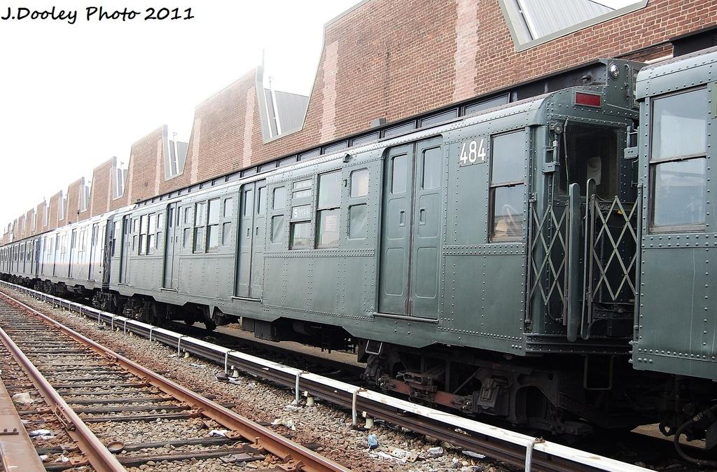 (400k, 1024x674)<br><b>Country:</b> United States<br><b>City:</b> New York<br><b>System:</b> New York City Transit<br><b>Location:</b> 207th Street Yard<br><b>Car:</b> R-4 (American Car & Foundry, 1932-1933) 484 <br><b>Photo by:</b> John Dooley<br><b>Date:</b> 11/29/2011<br><b>Viewed (this week/total):</b> 2 / 629