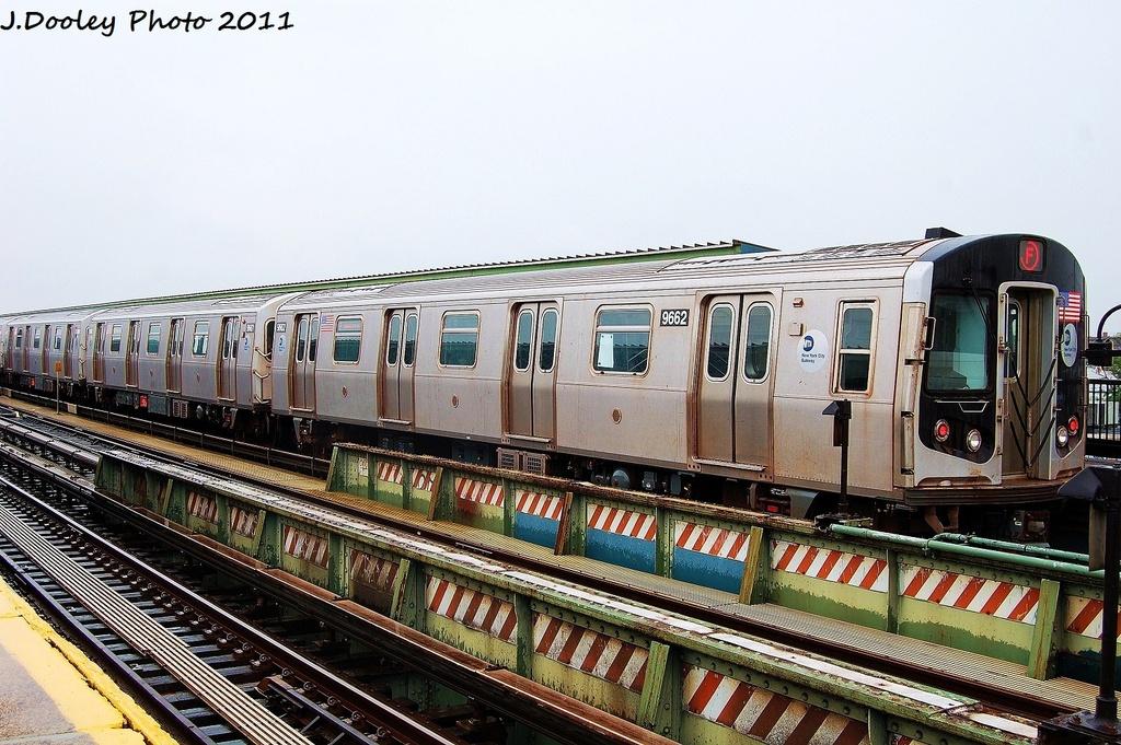 (369k, 1024x681)<br><b>Country:</b> United States<br><b>City:</b> New York<br><b>System:</b> New York City Transit<br><b>Line:</b> BMT Culver Line<br><b>Location:</b> Avenue X <br><b>Route:</b> F<br><b>Car:</b> R-160A (Option 2) (Alstom, 2009, 5-car sets)  9662 <br><b>Photo by:</b> John Dooley<br><b>Date:</b> 8/25/2011<br><b>Viewed (this week/total):</b> 3 / 737