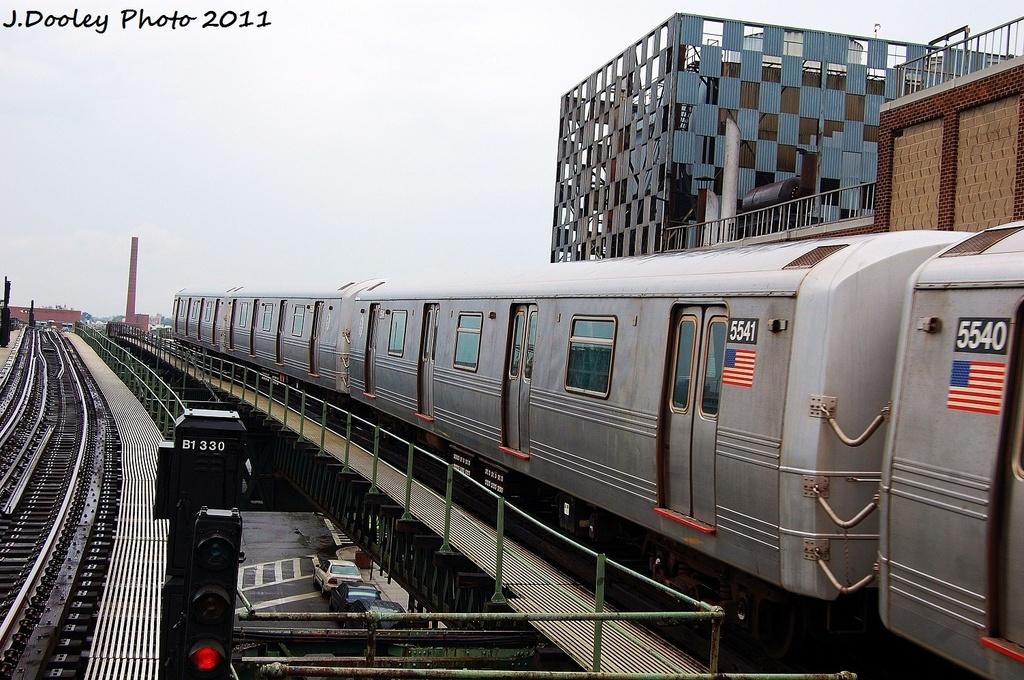 (360k, 1024x680)<br><b>Country:</b> United States<br><b>City:</b> New York<br><b>System:</b> New York City Transit<br><b>Line:</b> BMT Culver Line<br><b>Location:</b> Neptune Avenue <br><b>Route:</b> F<br><b>Car:</b> R-46 (Pullman-Standard, 1974-75) 5541 <br><b>Photo by:</b> John Dooley<br><b>Date:</b> 8/25/2011<br><b>Viewed (this week/total):</b> 0 / 631
