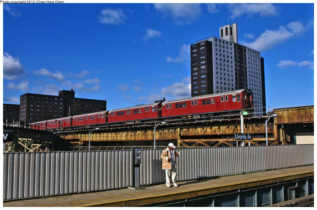 (404k, 1044x692)<br><b>Country:</b> United States<br><b>City:</b> New York<br><b>System:</b> New York City Transit<br><b>Line:</b> IRT Brooklyn Line<br><b>Location:</b> Junius Street <br><b>Route:</b> 5<br><b>Car:</b> R-26 (American Car & Foundry, 1959-60) 7849 <br><b>Photo by:</b> Chao-Hwa Chen<br><b>Date:</b> 12/21/2001<br><b>Viewed (this week/total):</b> 0 / 1458
