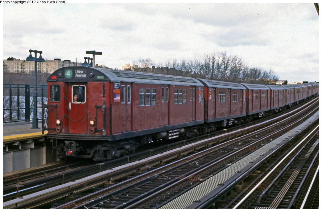 (390k, 1044x688)<br><b>Country:</b> United States<br><b>City:</b> New York<br><b>System:</b> New York City Transit<br><b>Line:</b> IRT Woodlawn Line<br><b>Location:</b> 161st Street/River Avenue (Yankee Stadium) <br><b>Route:</b> 4<br><b>Car:</b> R-33 Main Line (St. Louis, 1962-63) 8837 <br><b>Photo by:</b> Chao-Hwa Chen<br><b>Date:</b> 12/21/2001<br><b>Viewed (this week/total):</b> 7 / 1217