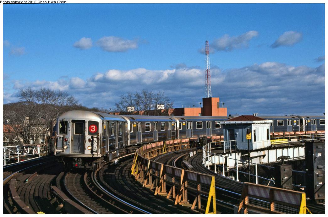 (391k, 1044x691)<br><b>Country:</b> United States<br><b>City:</b> New York<br><b>System:</b> New York City Transit<br><b>Line:</b> IRT White Plains Road Line<br><b>Location:</b> West Farms Sq./East Tremont Ave./177th St. <br><b>Route:</b> 3<br><b>Car:</b> R-62A (Bombardier, 1984-1987)  1735 <br><b>Photo by:</b> Chao-Hwa Chen<br><b>Date:</b> 12/21/2001<br><b>Viewed (this week/total):</b> 3 / 1388