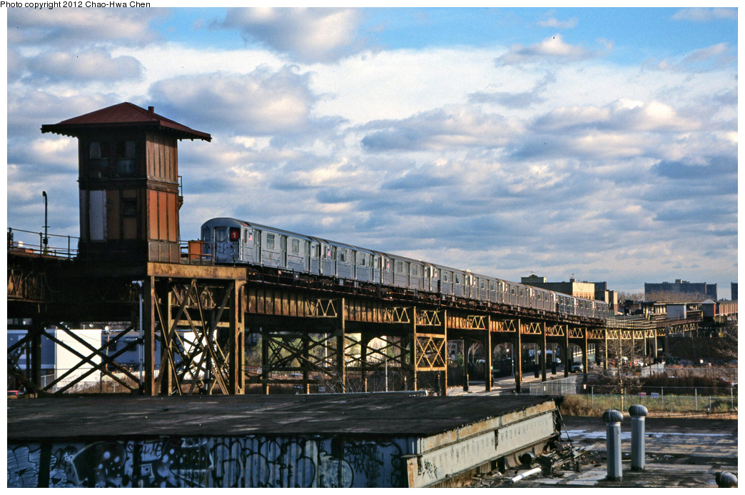 (398k, 1044x693)<br><b>Country:</b> United States<br><b>City:</b> New York<br><b>System:</b> New York City Transit<br><b>Line:</b> IRT Brooklyn Line<br><b>Location:</b> Junius Street <br><b>Route:</b> 1<br><b>Car:</b> R-62A (Bombardier, 1984-1987)  1956 <br><b>Photo by:</b> Chao-Hwa Chen<br><b>Date:</b> 12/21/2001<br><b>Viewed (this week/total):</b> 1 / 1530