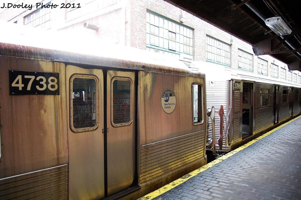 (376k, 1024x680)<br><b>Country:</b> United States<br><b>City:</b> New York<br><b>System:</b> New York City Transit<br><b>Location:</b> 207th Street Yard<br><b>Car:</b> R-42 (St. Louis, 1969-1970)  4738 <br><b>Photo by:</b> John Dooley<br><b>Date:</b> 11/29/2011<br><b>Viewed (this week/total):</b> 1 / 619