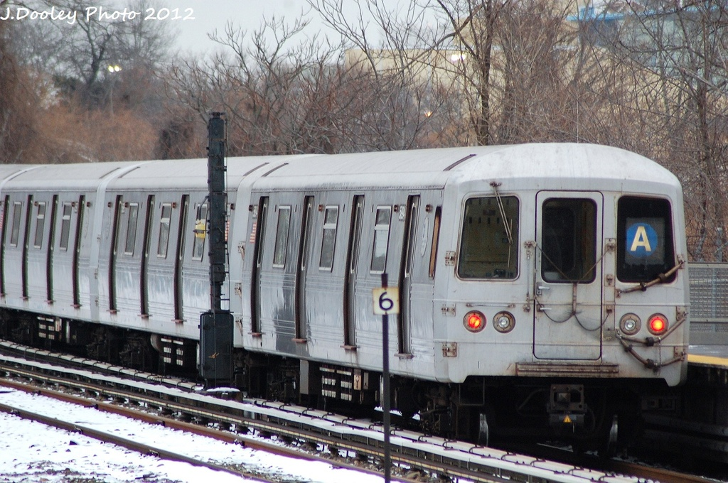 (370k, 1024x680)<br><b>Country:</b> United States<br><b>City:</b> New York<br><b>System:</b> New York City Transit<br><b>Line:</b> IND Rockaway<br><b>Location:</b> Howard Beach <br><b>Route:</b> A<br><b>Car:</b> R-46 (Pullman-Standard, 1974-75) 5964 <br><b>Photo by:</b> John Dooley<br><b>Date:</b> 1/22/2012<br><b>Viewed (this week/total):</b> 1 / 886