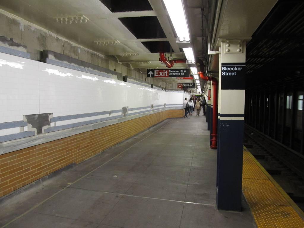 (85k, 1024x768)<br><b>Country:</b> United States<br><b>City:</b> New York<br><b>System:</b> New York City Transit<br><b>Line:</b> IRT East Side Line<br><b>Location:</b> Bleecker Street <br><b>Photo by:</b> Robbie Rosenfeld<br><b>Date:</b> 5/7/2012<br><b>Viewed (this week/total):</b> 0 / 1204