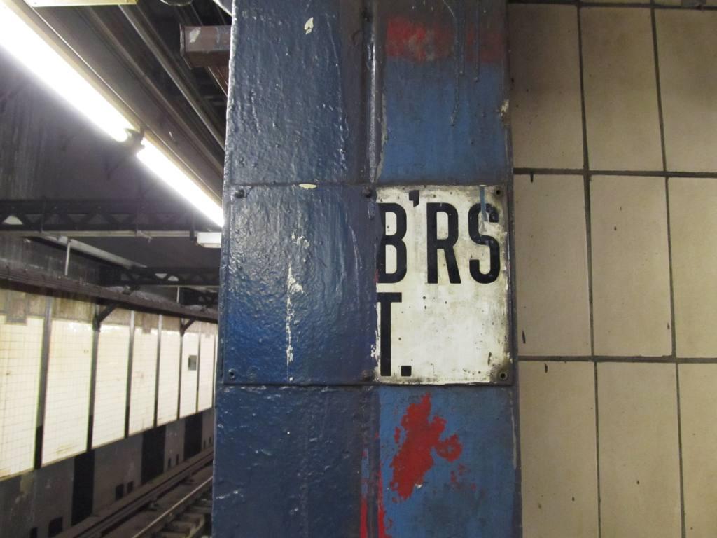 (88k, 1024x768)<br><b>Country:</b> United States<br><b>City:</b> New York<br><b>System:</b> New York City Transit<br><b>Line:</b> IRT West Side Line<br><b>Location:</b> Chambers Street <br><b>Photo by:</b> Robbie Rosenfeld<br><b>Date:</b> 3/21/2012<br><b>Notes:</b> Old signage.<br><b>Viewed (this week/total):</b> 2 / 1071