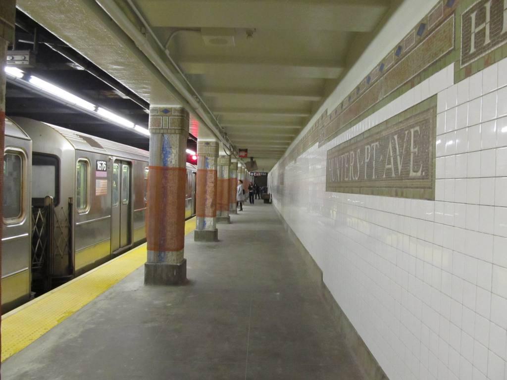 (87k, 1024x768)<br><b>Country:</b> United States<br><b>City:</b> New York<br><b>System:</b> New York City Transit<br><b>Line:</b> IRT Flushing Line<br><b>Location:</b> Hunterspoint Avenue <br><b>Route:</b> 7<br><b>Car:</b> R-62A (Bombardier, 1984-1987)  1676 <br><b>Photo by:</b> Robbie Rosenfeld<br><b>Date:</b> 3/15/2012<br><b>Viewed (this week/total):</b> 0 / 1526