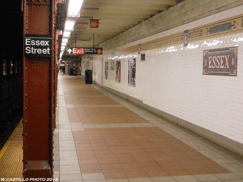 (319k, 1024x768)<br><b>Country:</b> United States<br><b>City:</b> New York<br><b>System:</b> New York City Transit<br><b>Line:</b> BMT Nassau Street/Jamaica Line<br><b>Location:</b> Essex Street <br><b>Photo by:</b> Wilfredo Castillo<br><b>Date:</b> 2012<br><b>Viewed (this week/total):</b> 0 / 1080