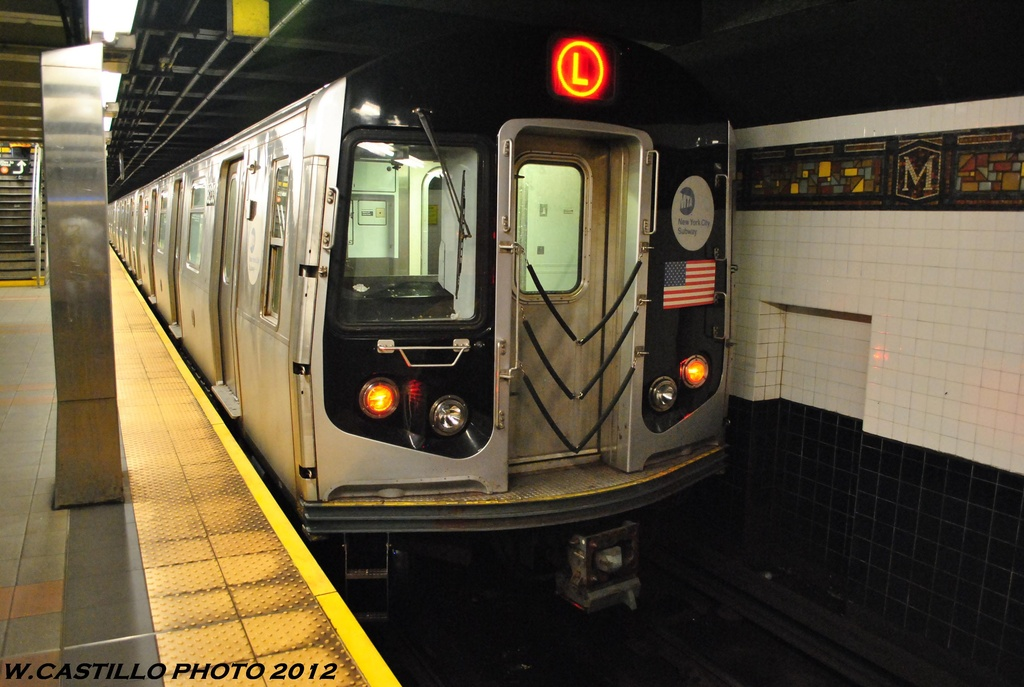 (280k, 1024x687)<br><b>Country:</b> United States<br><b>City:</b> New York<br><b>System:</b> New York City Transit<br><b>Line:</b> BMT Myrtle Avenue Line<br><b>Location:</b> Wyckoff Avenue <br><b>Route:</b> L<br><b>Car:</b> R-143 (Kawasaki, 2001-2002) 8233 <br><b>Photo by:</b> Wilfredo Castillo<br><b>Date:</b> 5/16/2012<br><b>Viewed (this week/total):</b> 4 / 1220