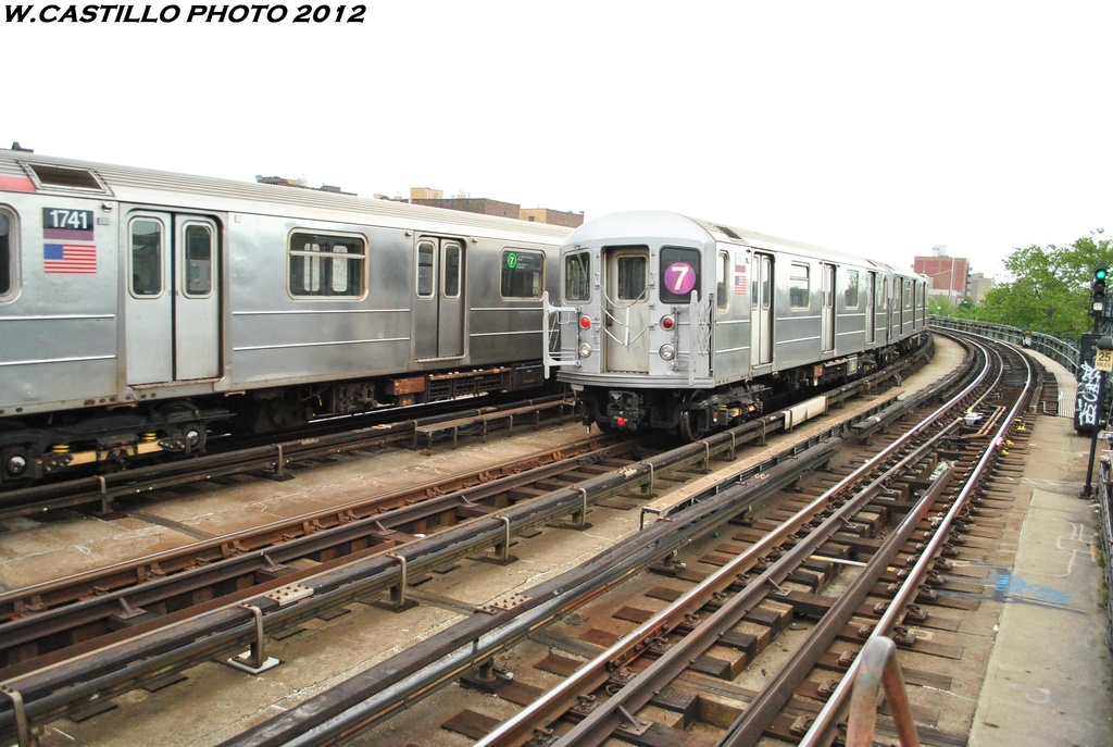 (298k, 1024x687)<br><b>Country:</b> United States<br><b>City:</b> New York<br><b>System:</b> New York City Transit<br><b>Line:</b> IRT Flushing Line<br><b>Location:</b> 46th Street/Bliss Street <br><b>Route:</b> 7<br><b>Car:</b> R-62A (Bombardier, 1984-1987)  1736 <br><b>Photo by:</b> Wilfredo Castillo<br><b>Date:</b> 5/14/2012<br><b>Viewed (this week/total):</b> 2 / 1020