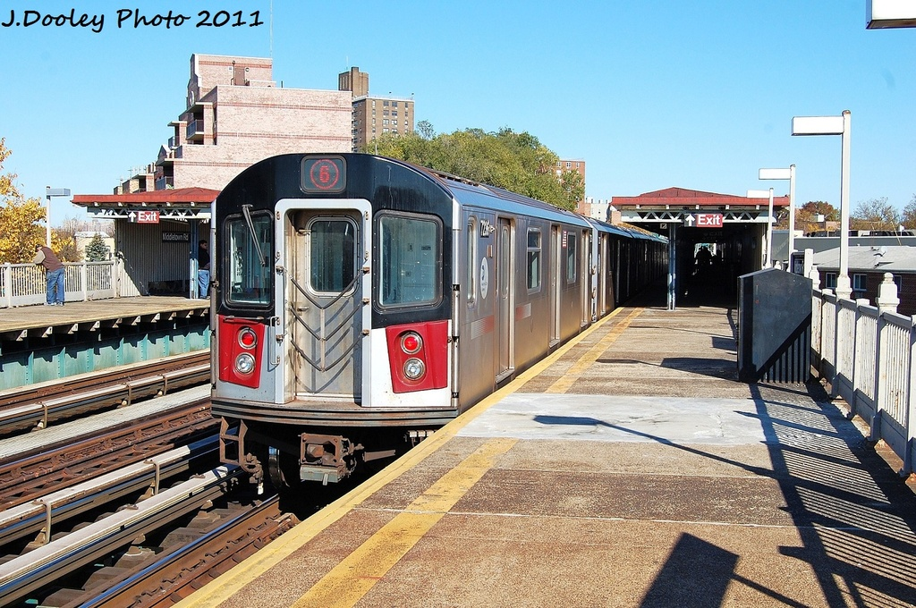 (413k, 1024x680)<br><b>Country:</b> United States<br><b>City:</b> New York<br><b>System:</b> New York City Transit<br><b>Line:</b> IRT Pelham Line<br><b>Location:</b> Middletown Road <br><b>Route:</b> 6<br><b>Car:</b> R-142A (Primary Order, Kawasaki, 1999-2002)  7236 <br><b>Photo by:</b> John Dooley<br><b>Date:</b> 11/5/2011<br><b>Viewed (this week/total):</b> 2 / 842