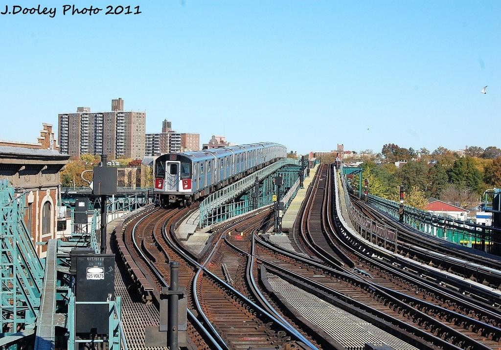 (433k, 1024x716)<br><b>Country:</b> United States<br><b>City:</b> New York<br><b>System:</b> New York City Transit<br><b>Line:</b> IRT Pelham Line<br><b>Location:</b> Westchester Square <br><b>Route:</b> 6<br><b>Car:</b> R-142A (Primary Order, Kawasaki, 1999-2002)  7500 <br><b>Photo by:</b> John Dooley<br><b>Date:</b> 11/5/2011<br><b>Viewed (this week/total):</b> 1 / 1077