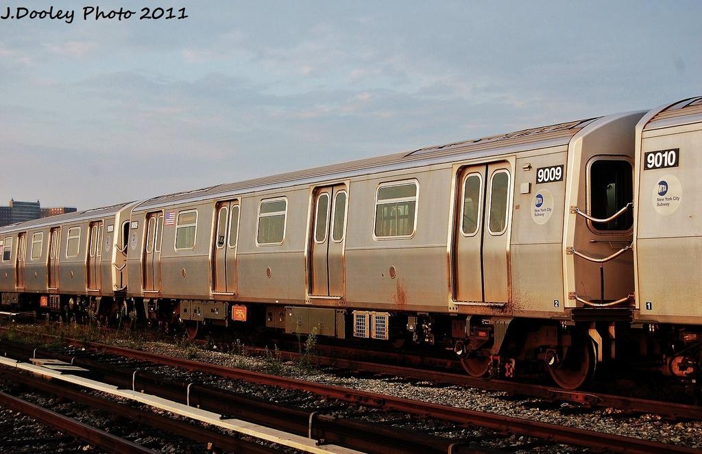 (322k, 1024x663)<br><b>Country:</b> United States<br><b>City:</b> New York<br><b>System:</b> New York City Transit<br><b>Location:</b> Coney Island Yard<br><b>Car:</b> R-160B (Option 1) (Kawasaki, 2008-2009)  9009 <br><b>Photo by:</b> John Dooley<br><b>Date:</b> 8/26/2011<br><b>Viewed (this week/total):</b> 7 / 572