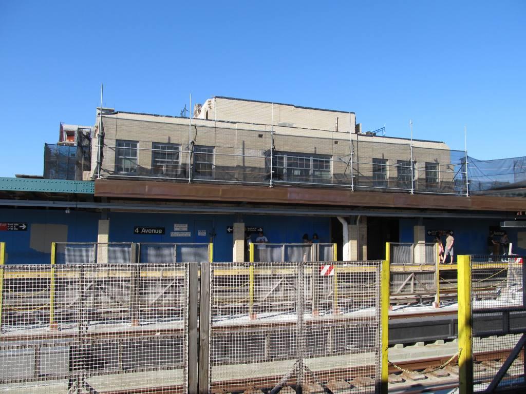 (146k, 1024x768)<br><b>Country:</b> United States<br><b>City:</b> New York<br><b>System:</b> New York City Transit<br><b>Line:</b> IND Crosstown Line<br><b>Location:</b> 4th Avenue <br><b>Photo by:</b> Robbie Rosenfeld<br><b>Date:</b> 5/20/2012<br><b>Viewed (this week/total):</b> 0 / 821
