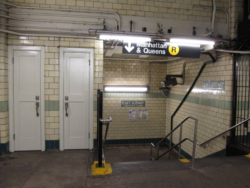 (102k, 1024x768)<br><b>Country:</b> United States<br><b>City:</b> New York<br><b>System:</b> New York City Transit<br><b>Line:</b> IND Crosstown Line<br><b>Location:</b> 4th Avenue <br><b>Photo by:</b> Robbie Rosenfeld<br><b>Date:</b> 5/16/2012<br><b>Viewed (this week/total):</b> 1 / 1176