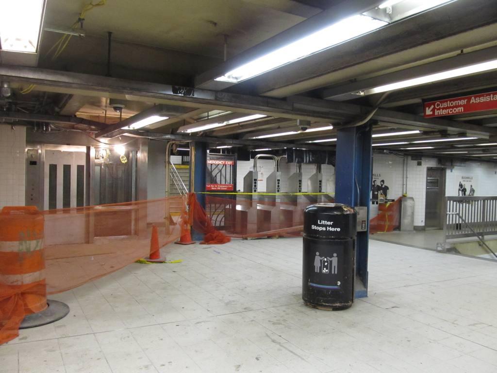 (97k, 1024x768)<br><b>Country:</b> United States<br><b>City:</b> New York<br><b>System:</b> New York City Transit<br><b>Line:</b> IRT East Side Line<br><b>Location:</b> Bleecker Street <br><b>Photo by:</b> Robbie Rosenfeld<br><b>Date:</b> 3/21/2012<br><b>Viewed (this week/total):</b> 2 / 982