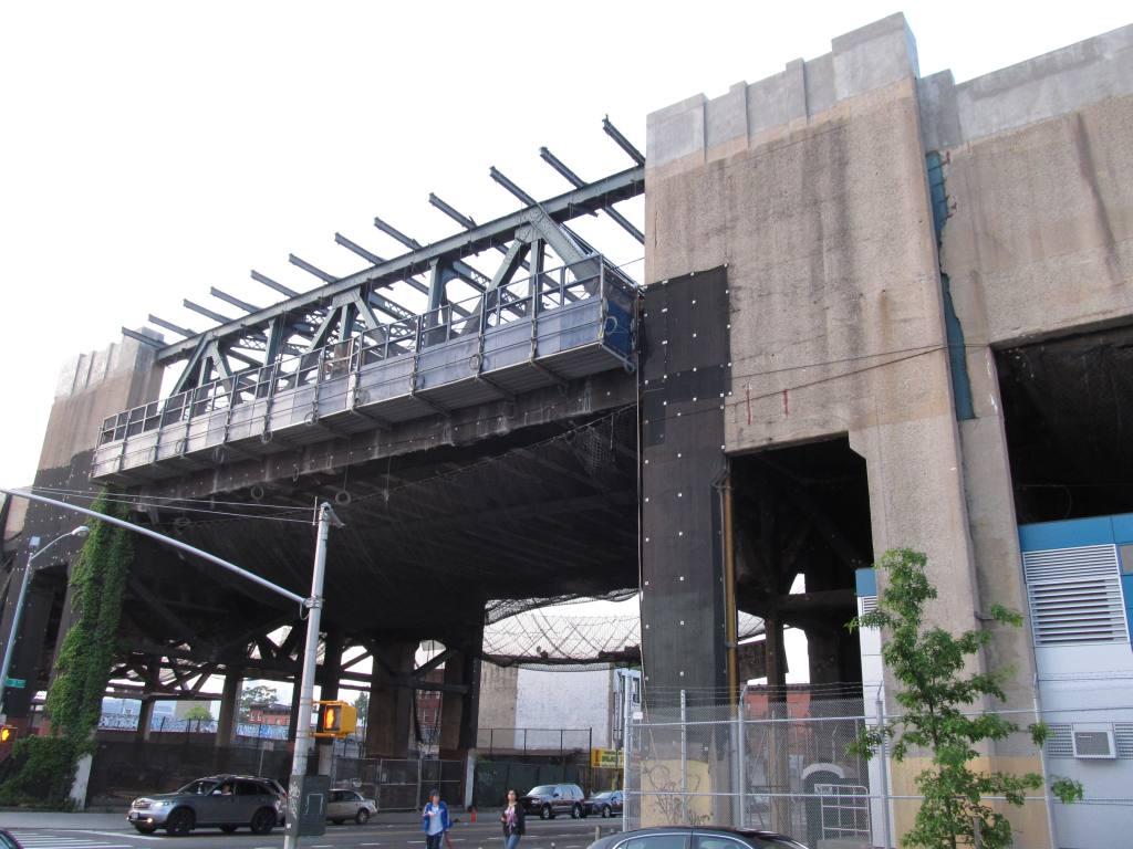 (116k, 1024x768)<br><b>Country:</b> United States<br><b>City:</b> New York<br><b>System:</b> New York City Transit<br><b>Line:</b> IND Crosstown Line<br><b>Location:</b> Smith/9th Street <br><b>Photo by:</b> Robbie Rosenfeld<br><b>Date:</b> 5/16/2012<br><b>Viewed (this week/total):</b> 3 / 993