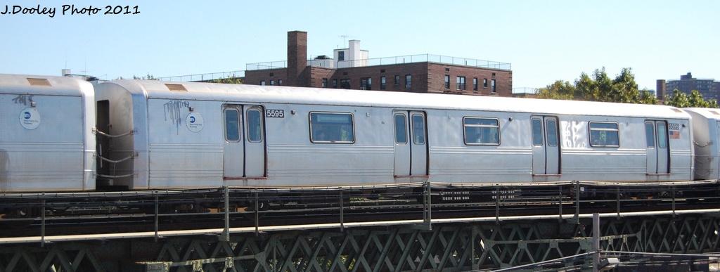 (186k, 1024x387)<br><b>Country:</b> United States<br><b>City:</b> New York<br><b>System:</b> New York City Transit<br><b>Line:</b> BMT Culver Line<br><b>Location:</b> Avenue X <br><b>Route:</b> F<br><b>Car:</b> R-46 (Pullman-Standard, 1974-75) 5595 <br><b>Photo by:</b> John Dooley<br><b>Date:</b> 10/9/2011<br><b>Viewed (this week/total):</b> 0 / 523