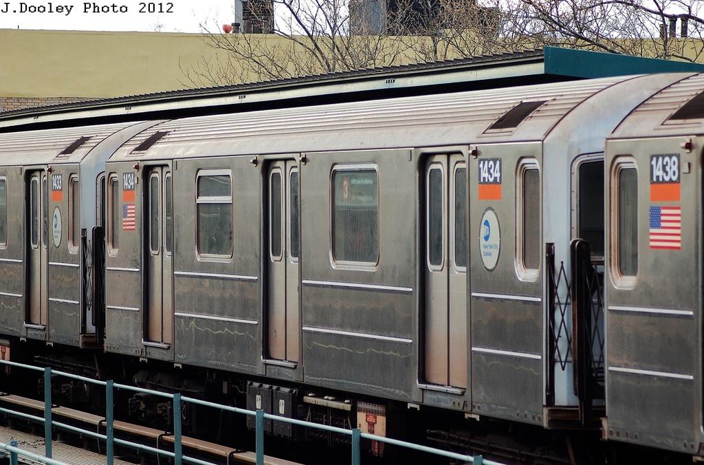 (352k, 1024x676)<br><b>Country:</b> United States<br><b>City:</b> New York<br><b>System:</b> New York City Transit<br><b>Line:</b> IRT Brooklyn Line<br><b>Location:</b> Saratoga Avenue <br><b>Route:</b> 3<br><b>Car:</b> R-62 (Kawasaki, 1983-1985)  1434 <br><b>Photo by:</b> John Dooley<br><b>Date:</b> 3/29/2012<br><b>Viewed (this week/total):</b> 1 / 649