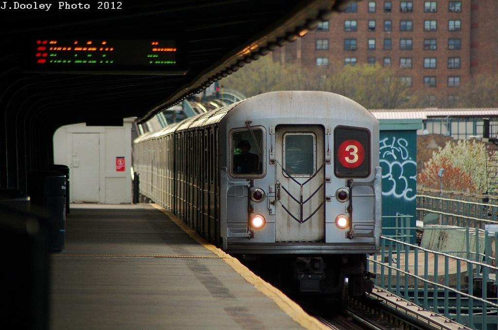 (298k, 1024x680)<br><b>Country:</b> United States<br><b>City:</b> New York<br><b>System:</b> New York City Transit<br><b>Line:</b> IRT Brooklyn Line<br><b>Location:</b> Pennsylvania Avenue<br><b>Route:</b> 3<br><b>Car:</b> R-62 (Kawasaki, 1983-1985)  <br><b>Photo by:</b> John Dooley<br><b>Date:</b> 3/29/2012<br><b>Viewed (this week/total):</b> 1 / 1908