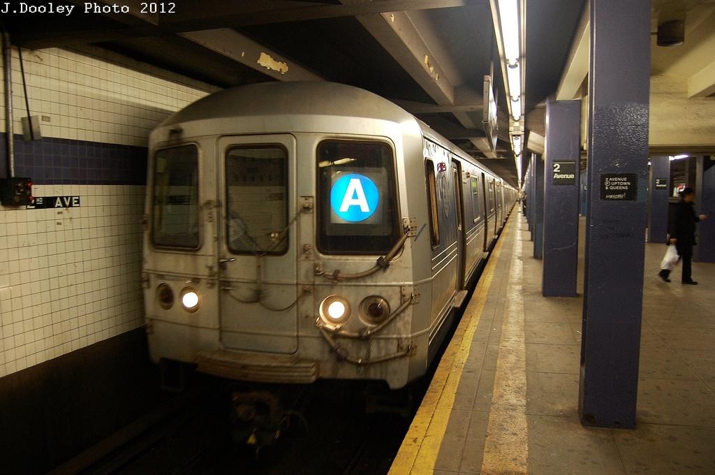 (298k, 1024x680)<br><b>Country:</b> United States<br><b>City:</b> New York<br><b>System:</b> New York City Transit<br><b>Line:</b> IND 6th Avenue Line<br><b>Location:</b> 2nd Avenue <br><b>Route:</b> A reroute<br><b>Car:</b> R-46 (Pullman-Standard, 1974-75) 6162 <br><b>Photo by:</b> John Dooley<br><b>Date:</b> 3/14/2012<br><b>Viewed (this week/total):</b> 0 / 679