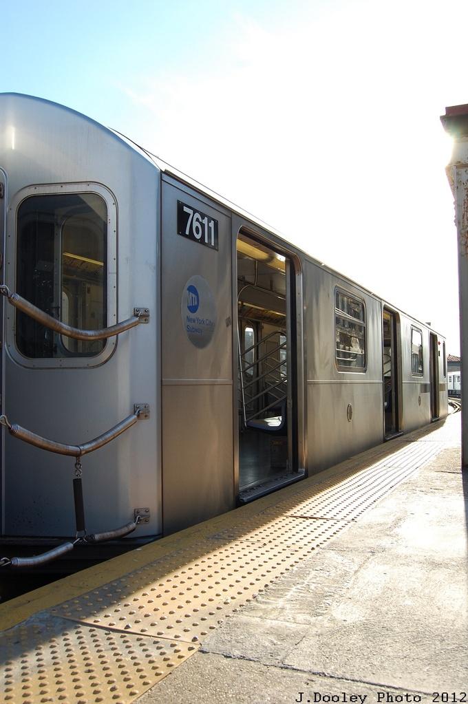 (252k, 680x1023)<br><b>Country:</b> United States<br><b>City:</b> New York<br><b>System:</b> New York City Transit<br><b>Line:</b> IRT Pelham Line<br><b>Location:</b> Pelham Bay Park <br><b>Route:</b> 6<br><b>Car:</b> R-142A (Option Order, Kawasaki, 2002-2003)  7611 <br><b>Photo by:</b> John Dooley<br><b>Date:</b> 2/22/2012<br><b>Viewed (this week/total):</b> 2 / 957