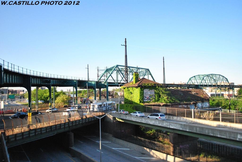 (291k, 1024x687)<br><b>Country:</b> United States<br><b>City:</b> New York<br><b>System:</b> New York City Transit<br><b>Line:</b> IRT Pelham Line<br><b>Location:</b> Whitlock Avenue <br><b>Photo by:</b> Wilfredo Castillo<br><b>Date:</b> 5/19/2012<br><b>Viewed (this week/total):</b> 0 / 1084