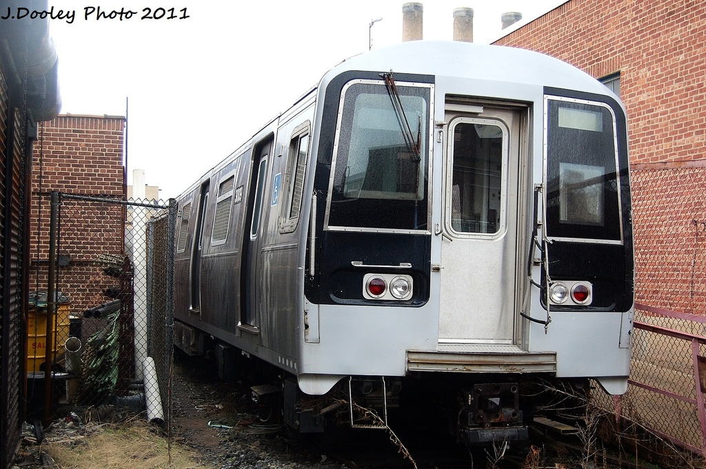 (380k, 1024x680)<br><b>Country:</b> United States<br><b>City:</b> New York<br><b>System:</b> New York City Transit<br><b>Location:</b> 207th Street Yard<br><b>Car:</b> R-110B (Bombardier, 1992) 3009 <br><b>Photo by:</b> John Dooley<br><b>Date:</b> 11/29/2011<br><b>Viewed (this week/total):</b> 3 / 1235