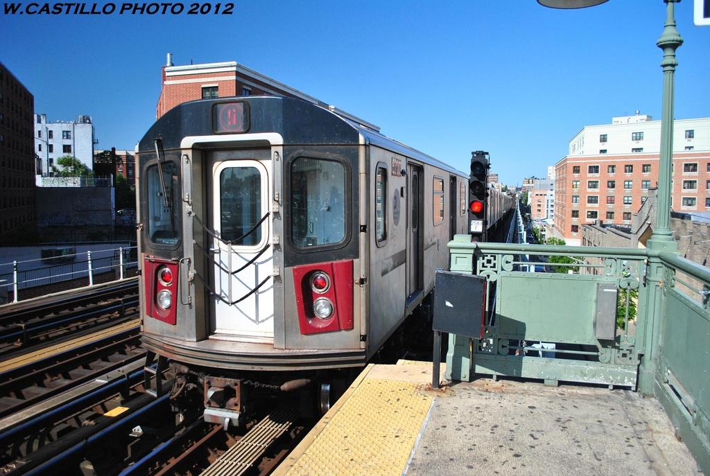 (338k, 1024x687)<br><b>Country:</b> United States<br><b>City:</b> New York<br><b>System:</b> New York City Transit<br><b>Line:</b> IRT White Plains Road Line<br><b>Location:</b> Prospect Avenue <br><b>Route:</b> 5<br><b>Car:</b> R-142 (Primary Order, Bombardier, 1999-2002)  6700 <br><b>Photo by:</b> Wilfredo Castillo<br><b>Date:</b> 5/19/2012<br><b>Viewed (this week/total):</b> 0 / 964