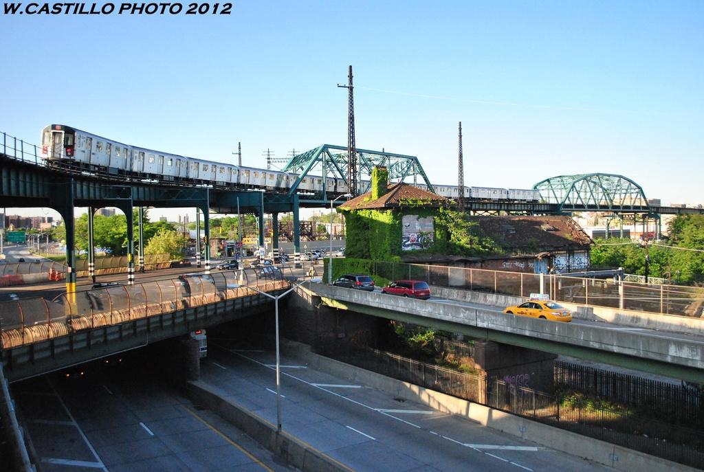 (311k, 1024x687)<br><b>Country:</b> United States<br><b>City:</b> New York<br><b>System:</b> New York City Transit<br><b>Line:</b> IRT Pelham Line<br><b>Location:</b> Whitlock Avenue <br><b>Route:</b> 6<br><b>Car:</b> R-142A (Option Order, Kawasaki, 2002-2003)  7620 <br><b>Photo by:</b> Wilfredo Castillo<br><b>Date:</b> 5/19/2012<br><b>Viewed (this week/total):</b> 0 / 1479