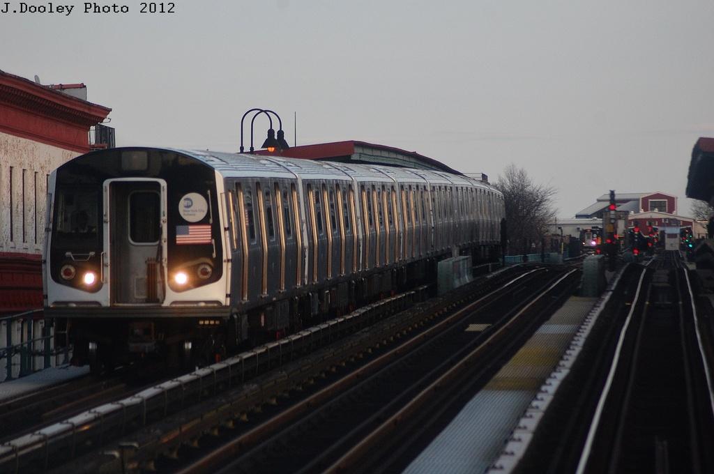 (242k, 1024x680)<br><b>Country:</b> United States<br><b>City:</b> New York<br><b>System:</b> New York City Transit<br><b>Line:</b> BMT Nassau Street/Jamaica Line<br><b>Location:</b> Chauncey Street <br><b>Route:</b> L short turn<br><b>Car:</b> R-143 (Kawasaki, 2001-2002)  <br><b>Photo by:</b> John Dooley<br><b>Date:</b> 3/3/2012<br><b>Viewed (this week/total):</b> 0 / 1259